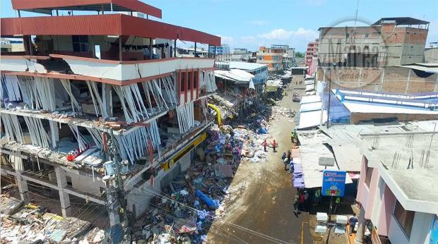 Sobrevivientes de terremoto en Manta cuentan lo vivido entre escombros