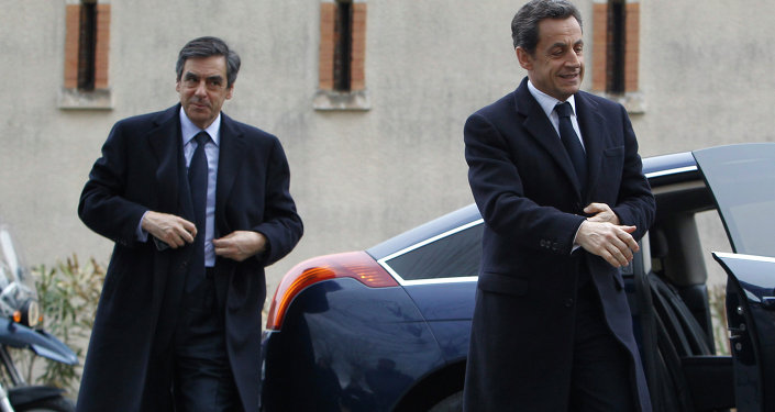 France's President Nicolas Sarkozy, right, and Prime Minister Francois Fillon