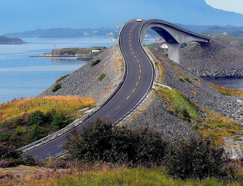 Atlantic-Ocean-Road-Over-Bridge