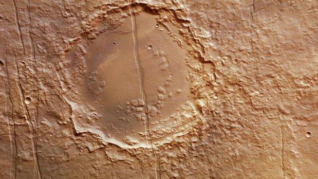Cut crater in Memnonia Fossae