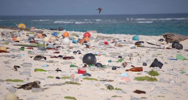 Bags, Bottles, Ropes and Toothbrushes: The Struggle Tracking Ocean Plastic