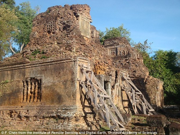 A team of Chinese and Cambodian scientists used a combination of synthetic aperture radar interferometry (InSAR) and high-resolution satellite images to track monument collapse atAngkor Wat in Cambodia